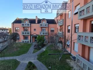 Foto - Trilocale via Carlo Alberto dalla Chiesa 3, Carugate