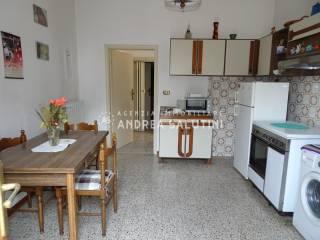 Foto - Villa bifamiliare, da ristrutturare, 85 mq, Il Romito, Pontedera