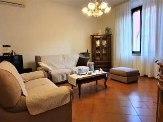 Foto - Appartamento via 1 Maggio, Centro, Pontedera
