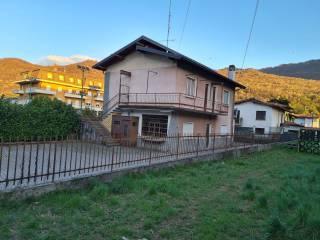 Foto - Trilocale via Giuseppe Verdi 22, Centro, Cuvio
