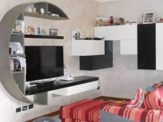 Foto - Trilocale via Alcide De Gasperi 79, Rogeno