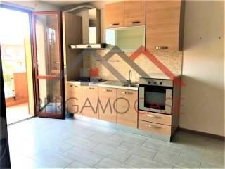 Photo - 3-room flat via Paolo Borsellino, Comun Nuovo