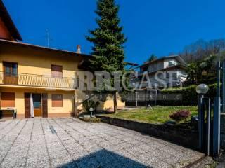 Foto - Villa a schiera via Rinnovata 5, Gavarno Rinnovata, Nembro