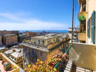 Foto - Trilocale via Oberto Cancelliere 41, Castelletto, Genova
