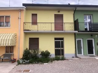 Foto - Villa a schiera via Giuseppe Mazzini, Centro, Vigasio
