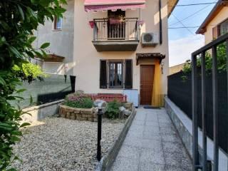 Foto - Villa a schiera via Umberto Pace, Barona, Albuzzano