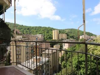Foto - Trilocale via Giovanni Daneo 18, Quezzi, Genova