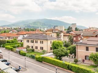 Foto - Quadrilocale via Divisione Acqui 72, Primo Maggio, Brescia
