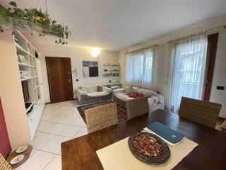 Foto - Piso de cuatro habitaciones muy buen estado, primera planta, Centro, Romano d'Ezzelino