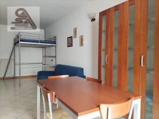 Foto - Monolocale via cavour 1, Centro, Lomazzo