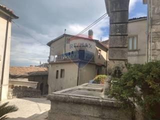 Photo - Multi-family townhouse 150 sq.m., good condition, Centro, Morcone