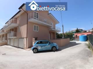 Foto - Villa a schiera via Ignazio Silone 1, Centro, Nereto