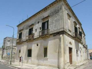 Palazzo / Stabile Vendita Salice Salentino