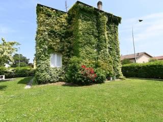 Foto - Villa unifamiliare via delle Camelie 1, Centro, Dresano
