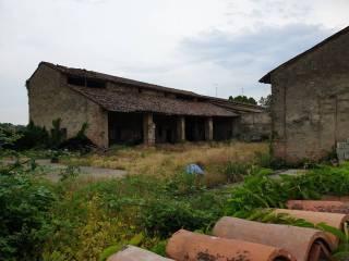 Photo - Dairy farm, to be refurbished, 1017 sq.m., Zona Agricola, Frazioni Minori, Crema