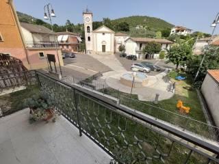 balcone e affaccio piazza