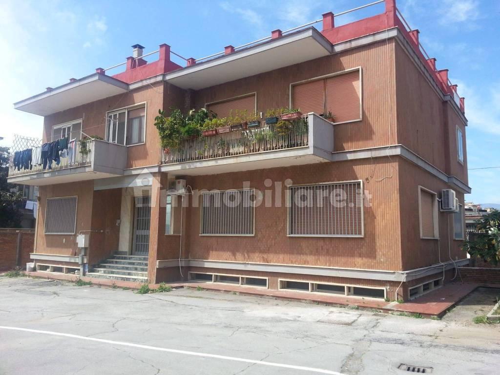 Palazzo - Edificio via Parmenide 261, Salerno, rif ...