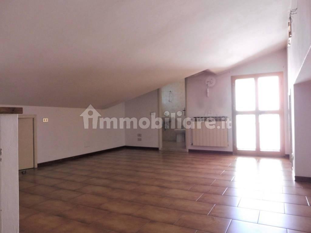 Vendita Appartamento in via Saverio.... Empoli. Buono ...