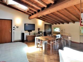 Foto - Trilocale via Trento 131-E, Centro, Capriano del Colle