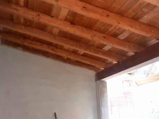particolare tettoia  in legno lamellare