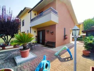 Foto - Villa a schiera via della Costituzione, Centro, Ravarino