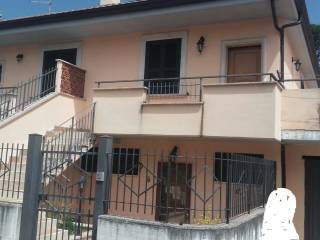 Foto - Villa bifamiliare via dei Fiori, Centro, Alatri