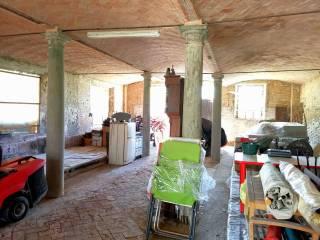 L'antica stalla con colonne
