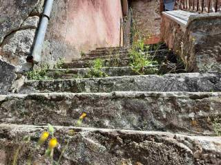 Le scale in pietra - The stone stairs