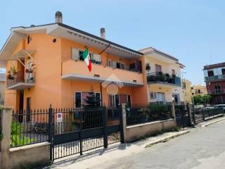 Foto - Piso de cuatro habitaciones via tommaso guidi 6, Semicentro, Aprilia