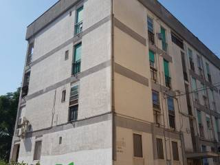 Foto - Trilocale piazza Alto Adige, Commenda, Brindisi