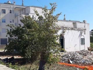 Prospetto villa in ristrutturazione