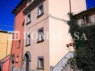 Esterno Palazzo Storico Bagnoregio (VT) - ROMACASA