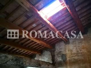 Dettaglio Soffitto Travi in Legno Palazzo Storico