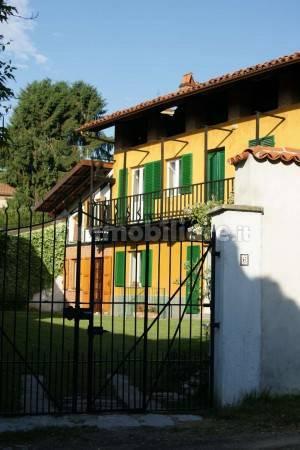 foto  Farmhouse via Vanchiglia 6, Rocca Canavese