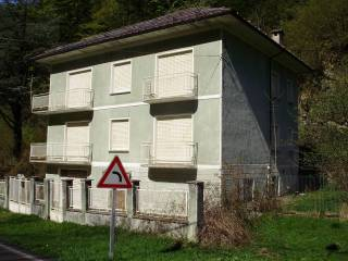 Foto - Villa plurifamiliare via Valprato 11, Ronco Canavese
