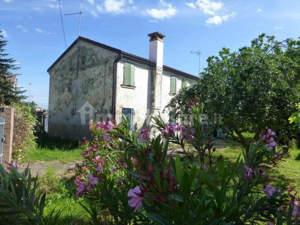 foto  Single family villa via Caderuschi 33, Papozze