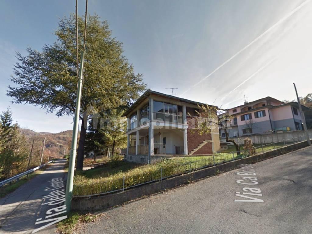 foto  Two-family villa via delle Ginestre 2A, Toano