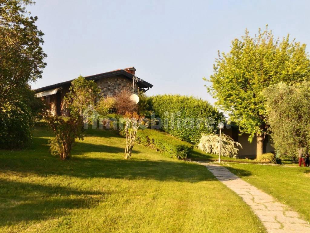 Vendita Villa unifamiliare Soiano del Lago. Posto auto ...
