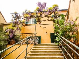 Foto - Villa plurifamiliare piazza Guglielmo Marconi 6, Riparbella