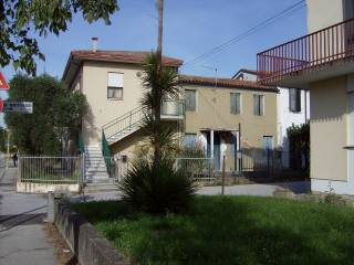 Photo - Building via Giuseppe Garibaldi 17, Roncaglia, Ponte San Nicolò