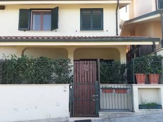 Foto - Villa a schiera via Cimabue 65, Tor Lupara, Fonte Nuova