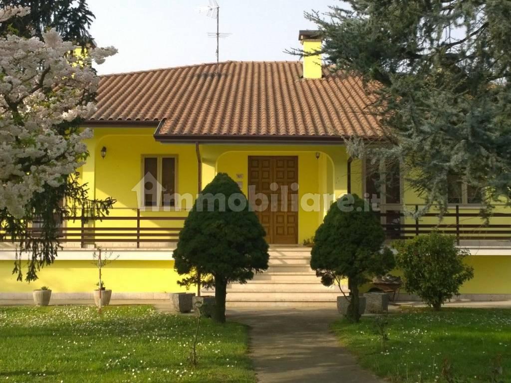 foto  Villa unifamiliare via Precona, Castelguglielmo