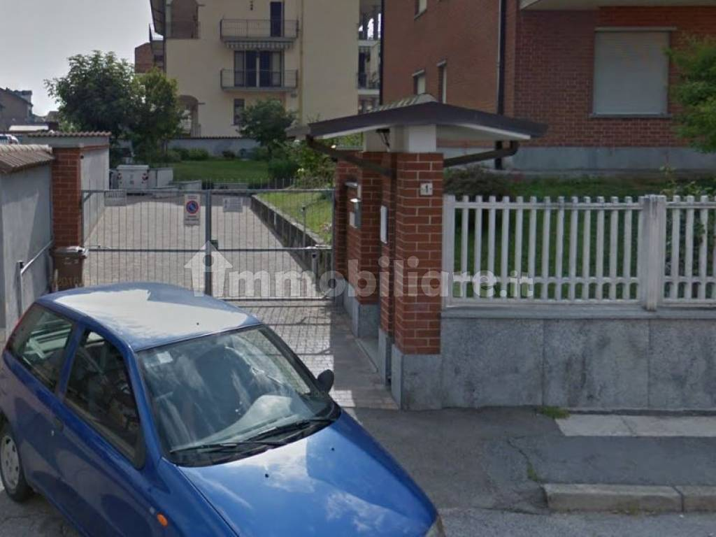foto  Car box or garage via Pralormo 1, Poirino