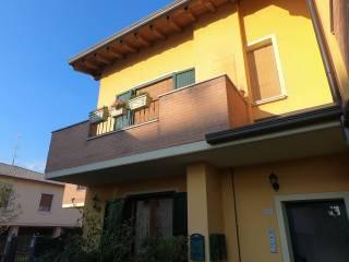 Foto - Bilocale via Piave 25, Centro, Castenedolo