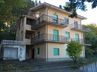 Foto - Appartamento buono stato, secondo piano, La Cà, Lizzano in Belvedere