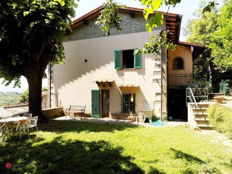 foto  Multi-family villa via Angelo Gatti, Borgo San Lorenzo