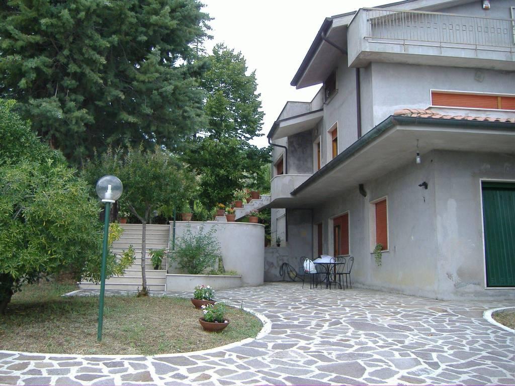 foto  Appartamento via Umberto I 2, Castiglione Messer Raimondo