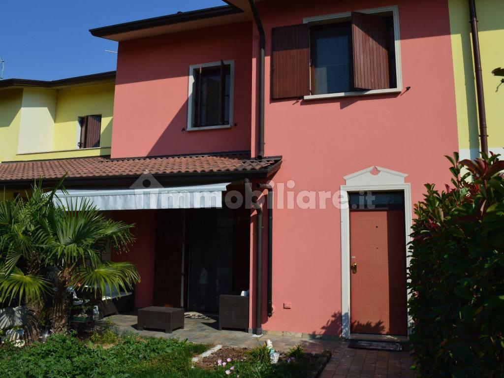 foto  Terraced house via Lazio, Asola