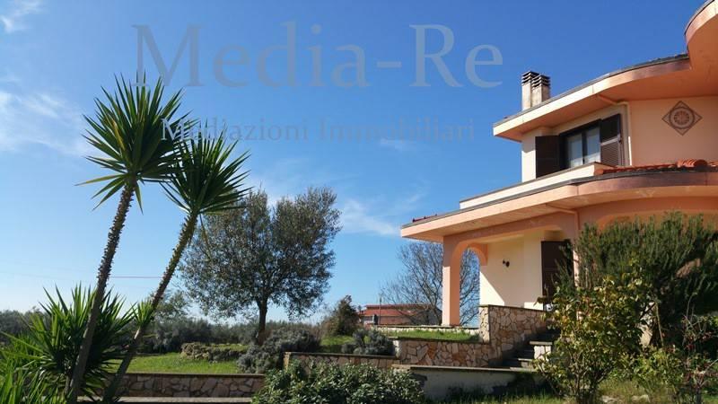 Vendita Villa unifamiliare in Strada Provinciale ...