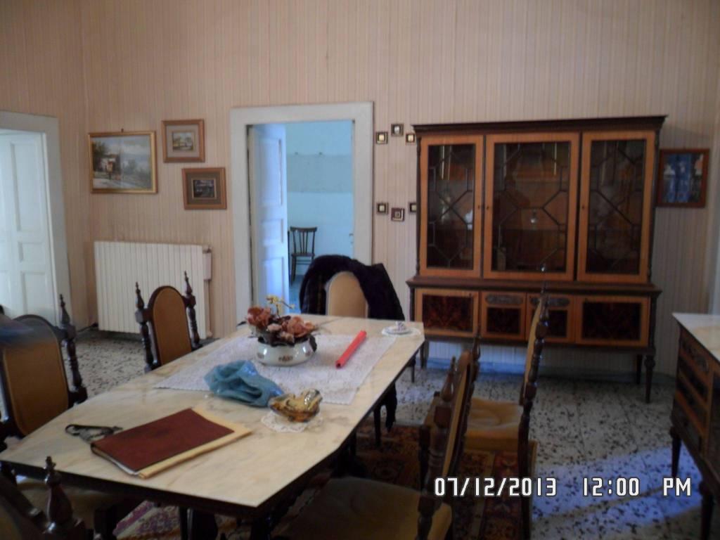 foto  Vierzimmerwohnung largo San Pietro 20, Teano